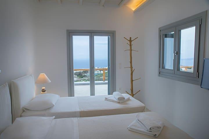 En-suite Bedroom #4