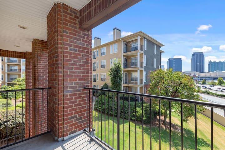 Balcony View/Midtown Condo - Heart of Atlanta