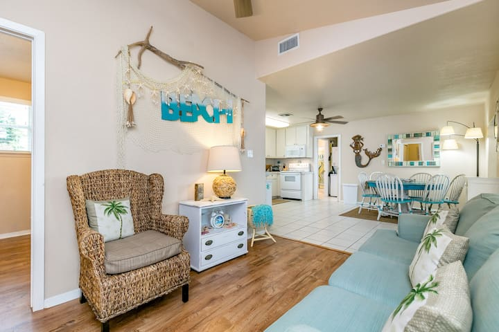 Newly Remodeled 3BR in Rockport, Minutes to the Beach!