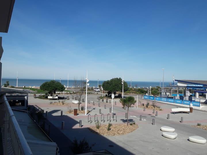 Appartement de 77m2 vue mer 100m de la plage