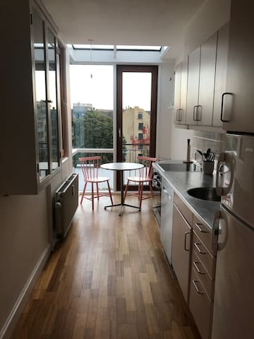 Bright apartment in the heart of Nørrebro.