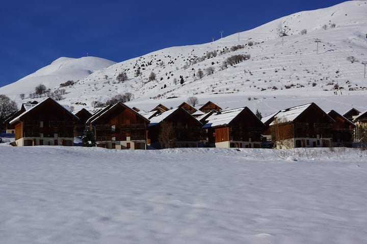 Apartment close to ski slopes and school