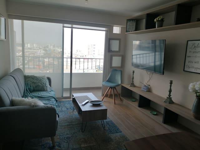 Moderno Apartamento, Estreno, Frente a San Isidro