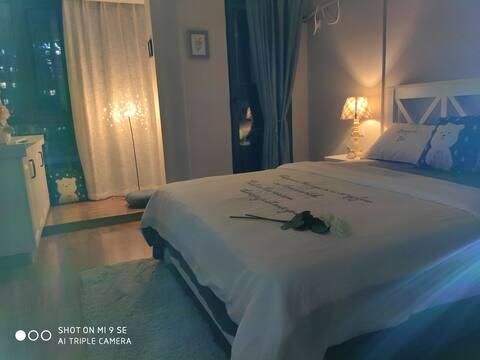 木木的投影房/沃尔玛/南国泛悦/的精致美式小公寓