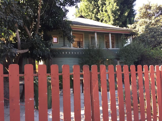 Charm of Old L.A. in Historic Elysian Heights