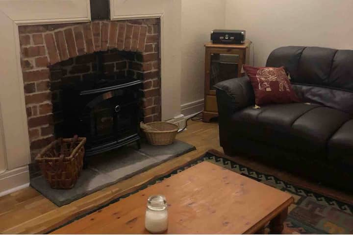 Spacious 2 bed apartment in Uplands
