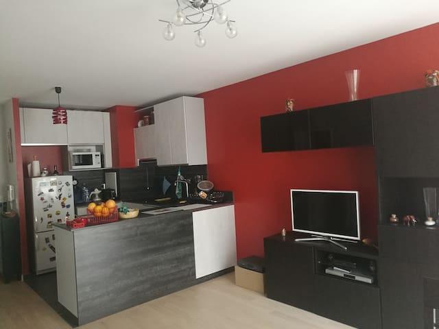 Puteaux, Appartement moderne et chaleureux