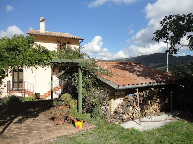 Country Cottage, Nr Assisi - Assisi - Hus