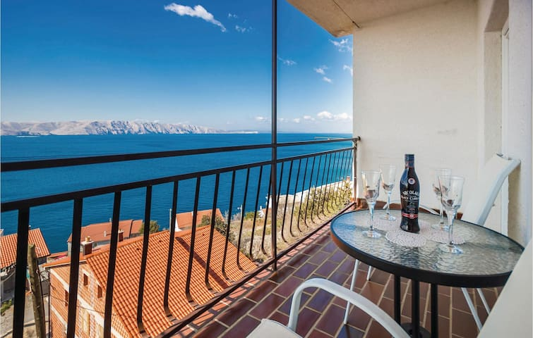 Holiday apartment with 3 bedrooms on 94m² in Senj