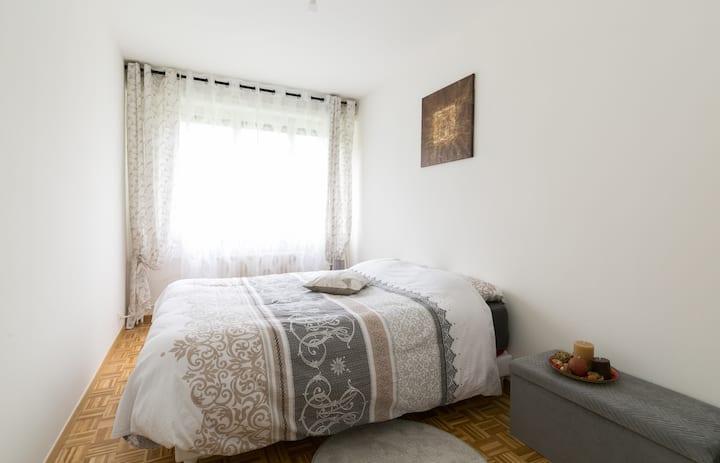 Cosy Bedroom near Geneva airport & UN & downtown