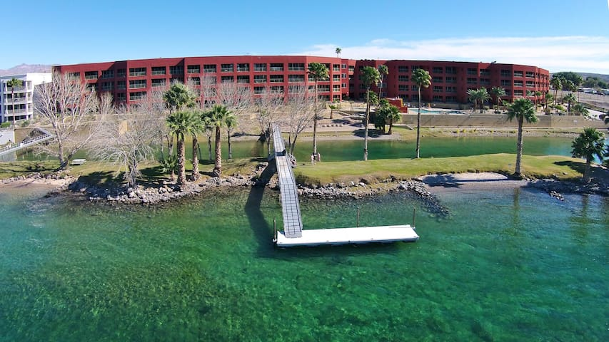 LUXURY RIVERFRONT CONDO 005, LAUGHLIN CASINO VIEWS, 2 KINGS, 2 TWINS, 2 BATH