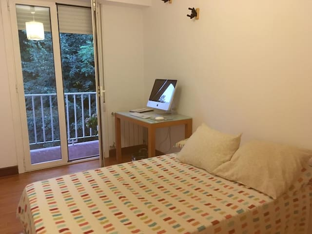 Comfortable and quiet Room in Donosti