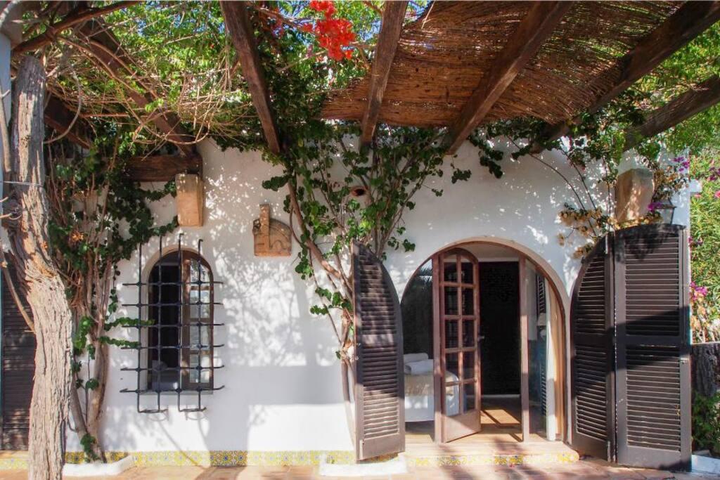 Chambre donnant sur terrasse