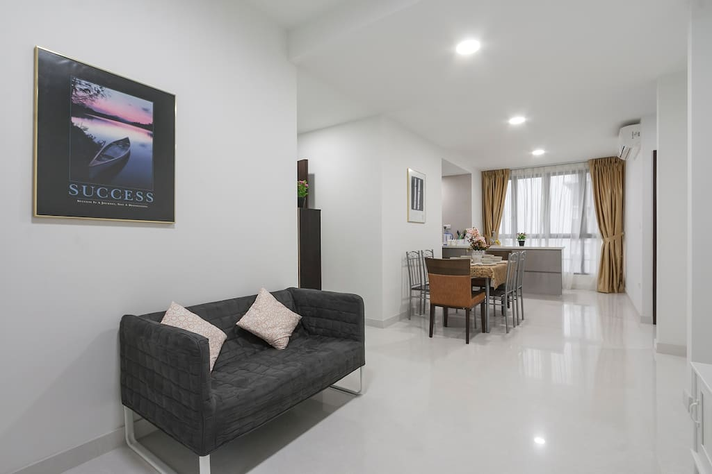 3 Br Luxury Penthouse in Novena