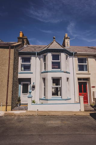 Beachcomber's Cottage - Port Erin