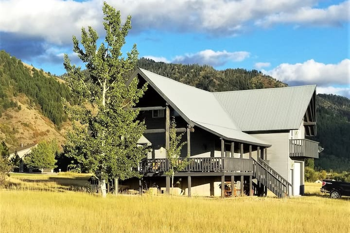 STAR VALLEY RANCH CABIN WITH VIEWS!!