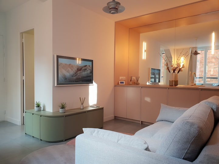 Design Flat in the Heart of the Marais