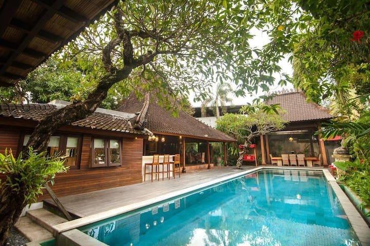 Joglo Legacy - Modern 1BR Villa w/ Private Pool