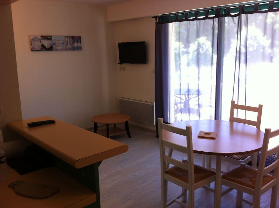 appartement meubl bord de mer les minimes appartements louer la rochelle nouvelle. Black Bedroom Furniture Sets. Home Design Ideas
