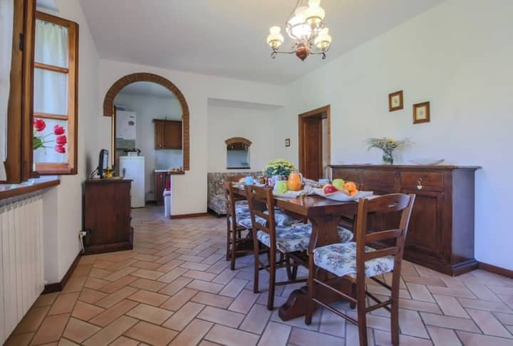 Agriturismo Niccone, apartments with spa and pool, Apartment Fornacino