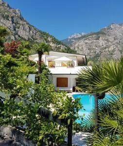 Villa Sofia Limone sul Garda Just for you (350 m)