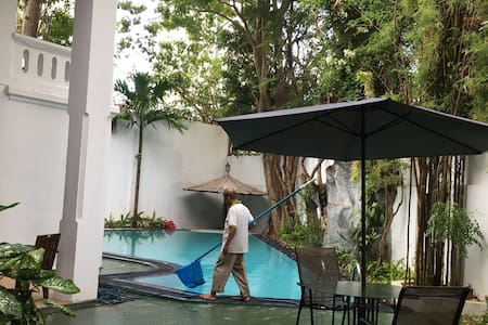 科伦坡中心公园独栋别墅阳光房,泳池花园,交通方便,商务、旅行宜居之所。 - Villa
