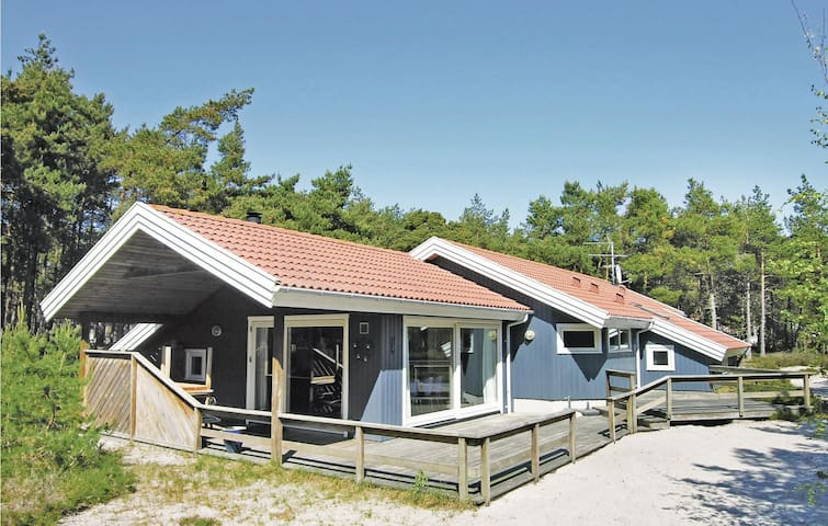 Holiday cottage with 4 bedrooms on 120m² in Nexø