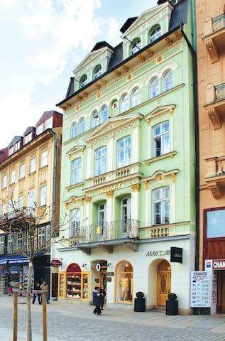Neopakovatelná atmosféra světových - Karlovy Vary - Huis