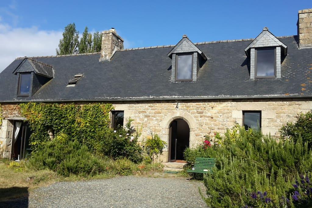 maison typique bretonne 2 km de la mer maisons louer saint michel en gr ve bretagne france. Black Bedroom Furniture Sets. Home Design Ideas