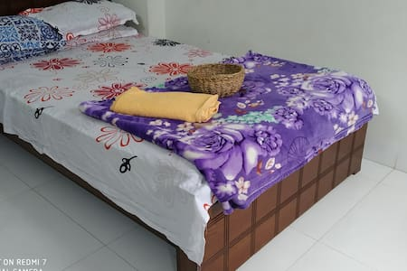 Single Room With Sofa In Bashundara R/A
