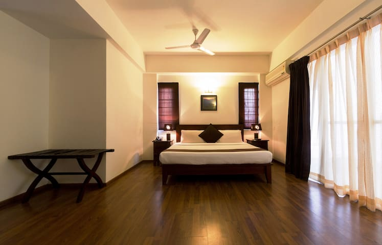 Premium 1BHK Apartment- Wifi & Breakfast Included