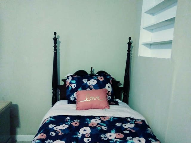 Room close to Marta can accommodate 2 to 3 guest.