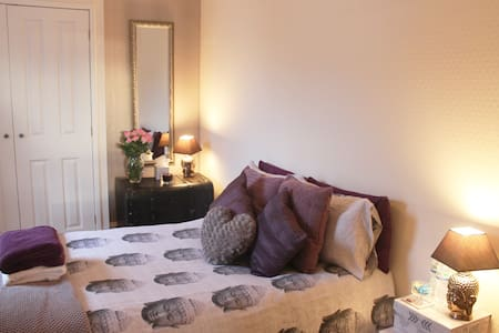 Private Buddha Room for Travellers from Travellers - Selkirk