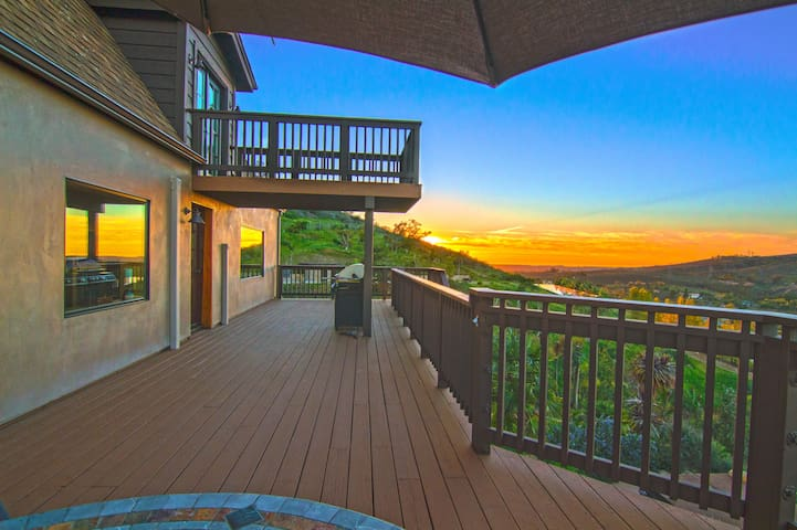 Stunning Mountain and Ocean View - Escondido - Hus