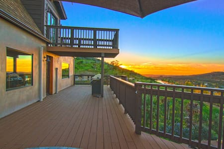 Stunning Mountain and Ocean View - Escondido - Huis