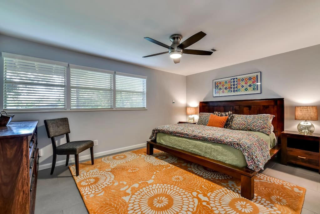 King bedroom with walk-in closet. Pillow-top mattress, fine linens, down pillows.