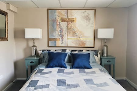 Garden suite - 10min to Ohare, 20min to Chicago