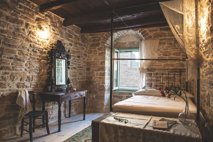 Luxurious traditional stone house in South Chios