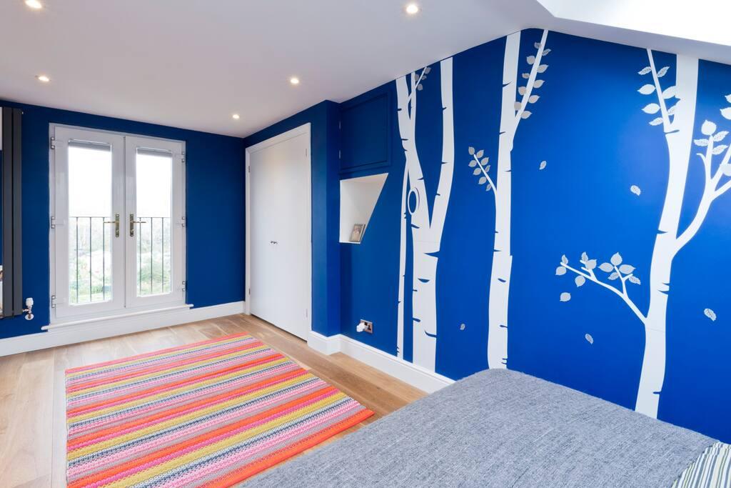 Loft master room.