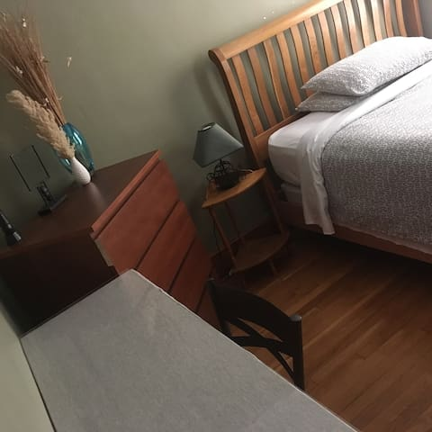 3rd Private Bedroom, Great Spot!!! - Malden - Lakás