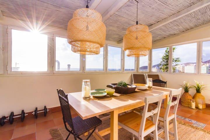 Stunning Las Canteras Beachfront Loft