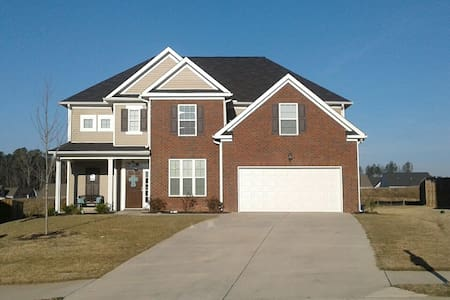5BR Entire Home - Canterbury Farms - Master's Week - Grovetown