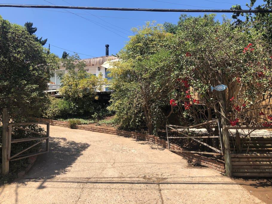 Vista de la casa desde la calle