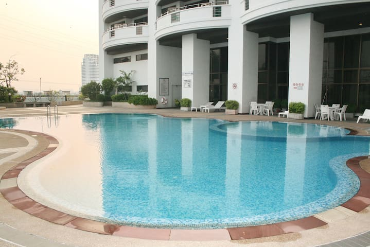 Flora view condominium unit B7E