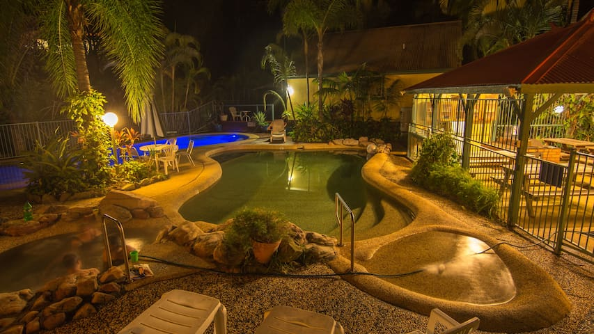 2 br Lux Tropic Oasis Holiday Villas