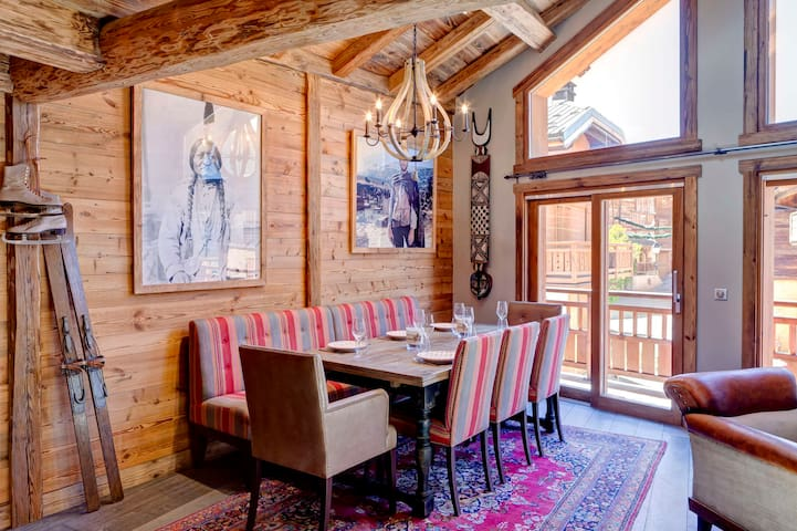 "Warm and cosy refurbished ""maison de village"" situated in le Praz"
