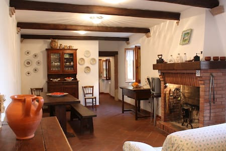 Vasciano, Tranquility in a medieval village