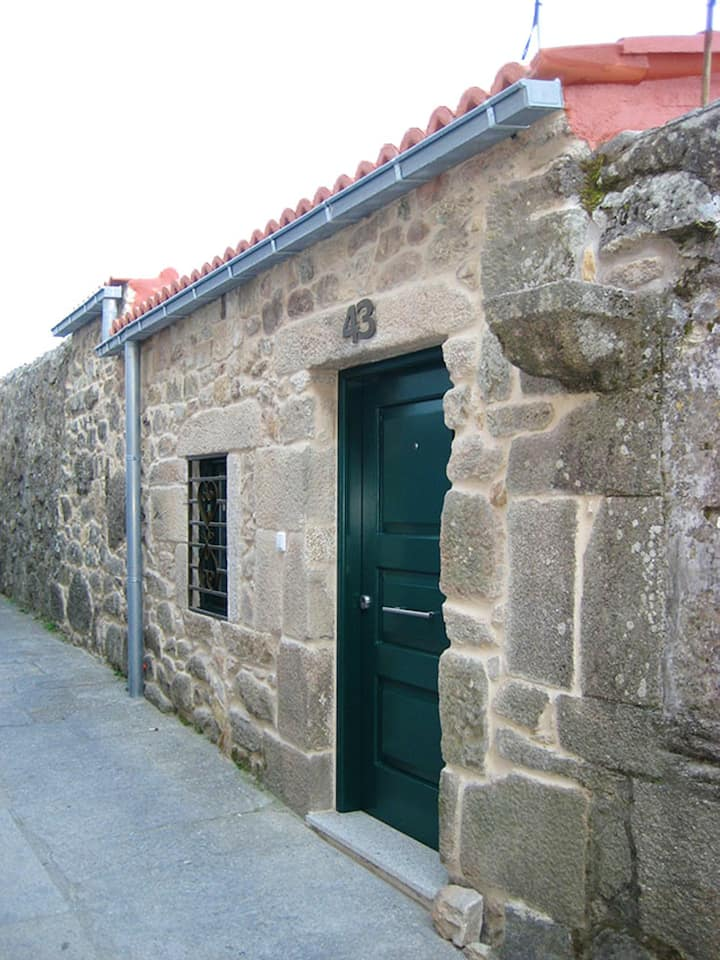 House with one bedroom in Tui (Camino de Santiago, Portugal), with terrace and WiFi - 3 km from the beach