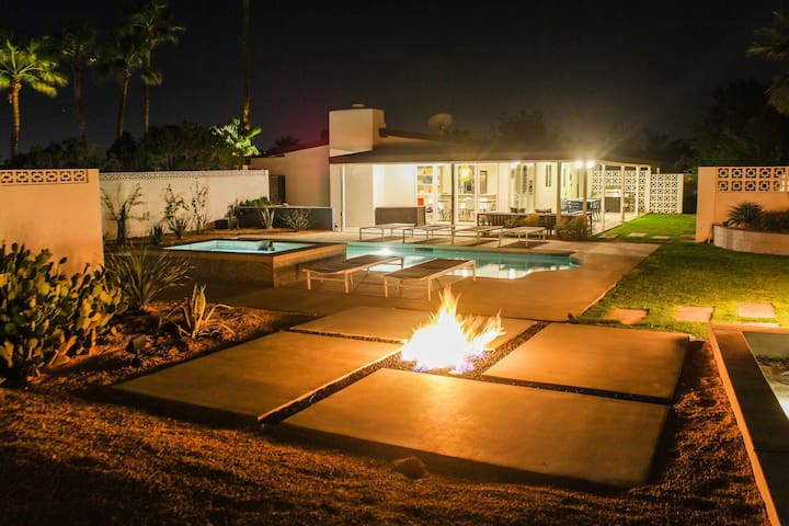 New pool, spa, fire pit!