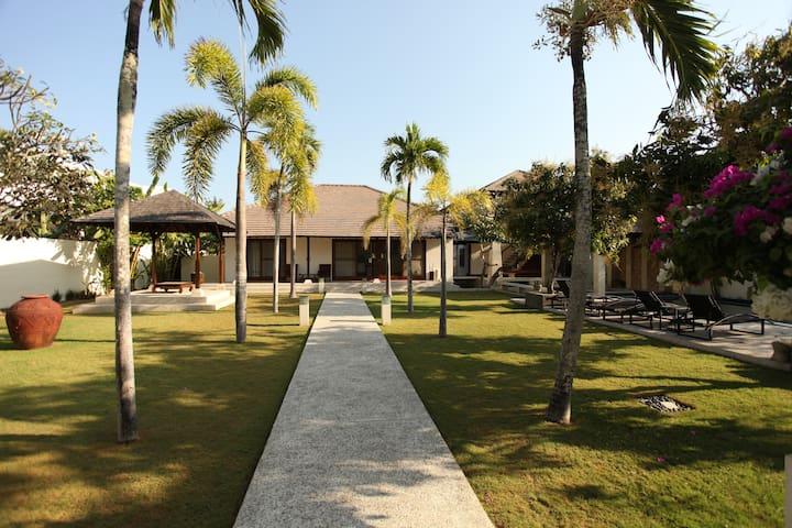 The Wangsa GrahaThree Bed Room Villa